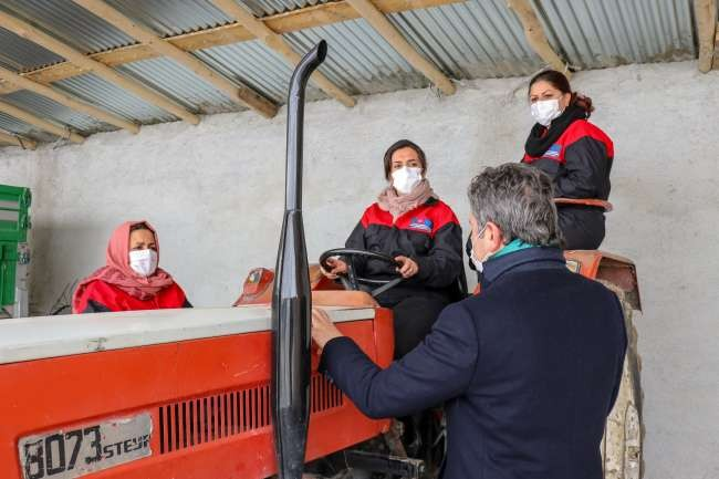 Turkey trains refugees in agriculture, animal husbandry