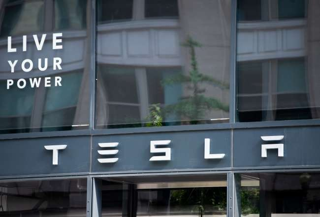 Former Tesla employee sued for allegedly stealing confidential files
