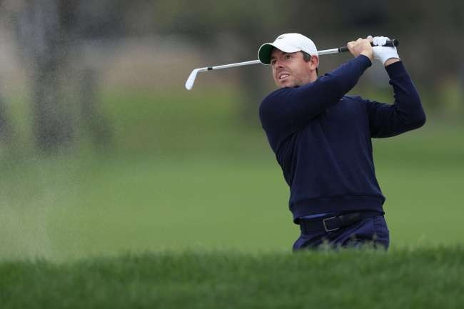 McIlroy goes on five-birdie run to take PGA lead at Bay Hill