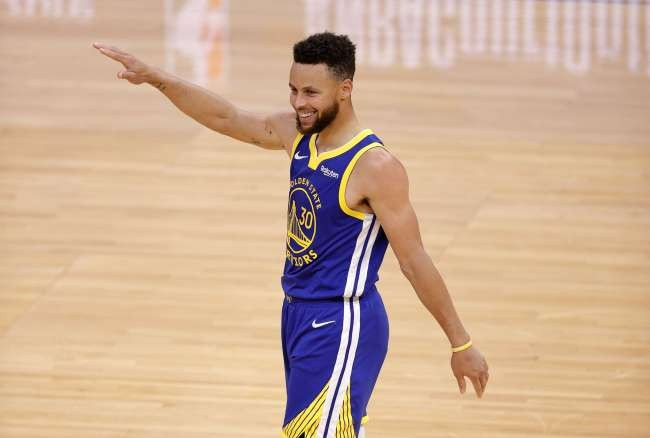 Stephen Curry hits 53 to set new scoring record in Warriors' win