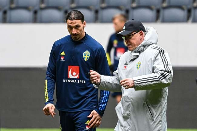 Ibrahimovic out of Sweden's Euro 2020 squad over knee injury