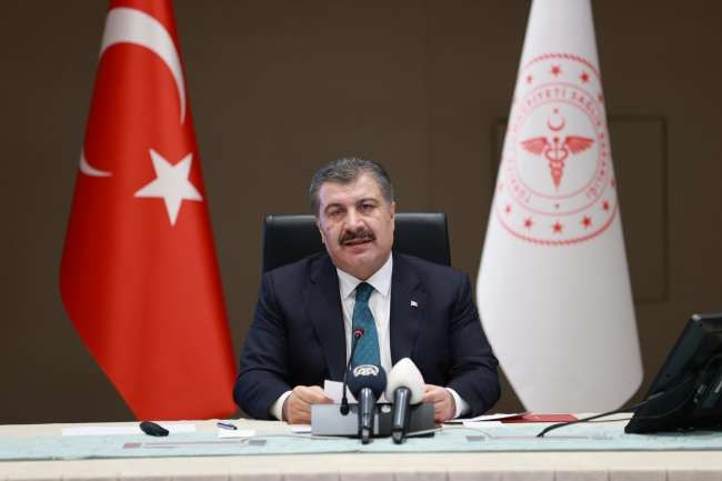 Turkey to lower COVID-19 vaccination age to 18: Koca