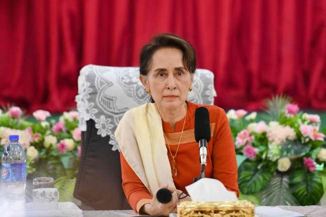 Myanmar's ousted leader Suu Kyi testifies for 1st time in junta court